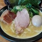 安定した味のとんこつラーメン!百麺 中山道店
